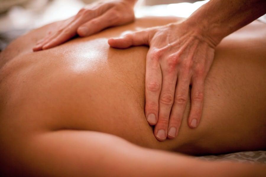 massagebehandling-linköping-ryggmassage