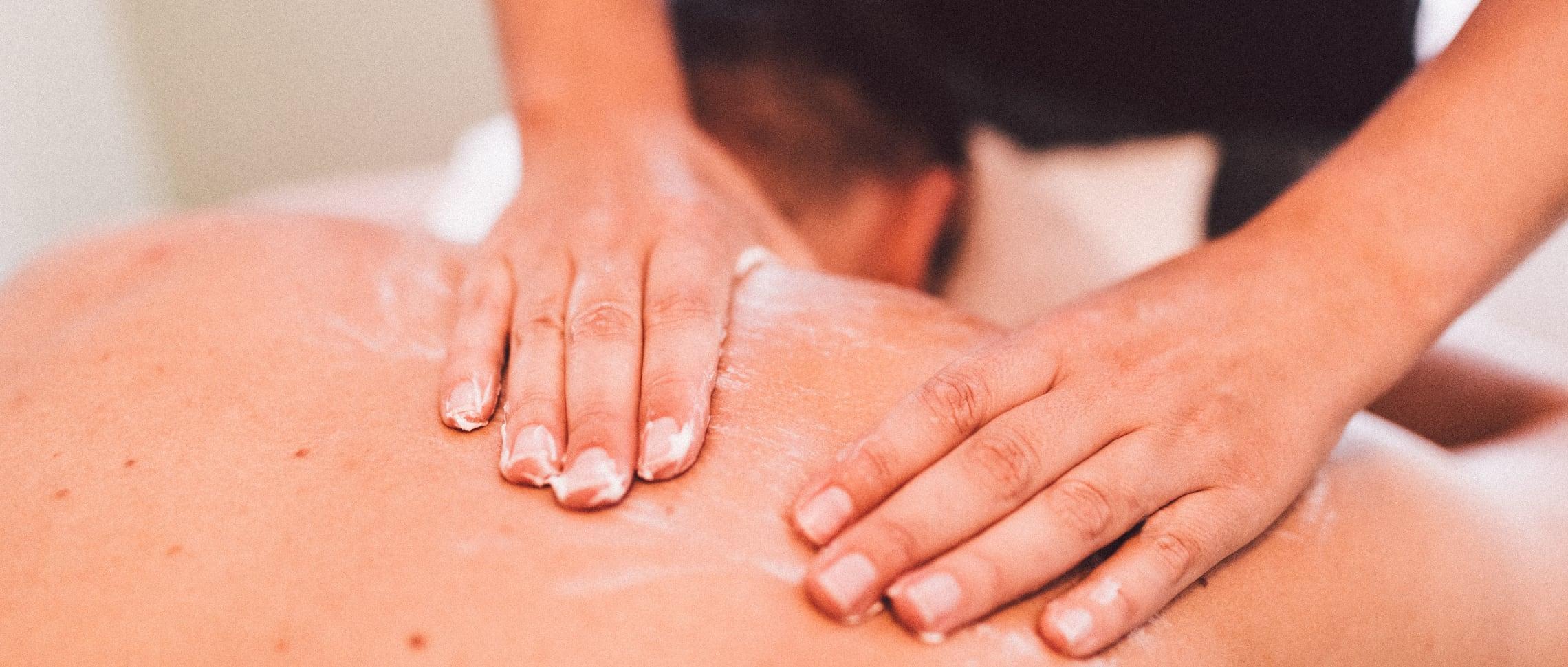 massage händer rygg salong linköping